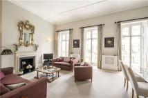 Flat to rent in Eaton Place, London...
