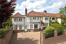 6 bed Detached house in Kings Road, Richmond...