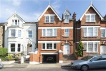 5 bedroom Terraced property in Ellerker Gardens...