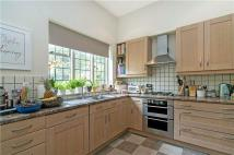 4 bed semi detached home to rent in Burntwood Lane...