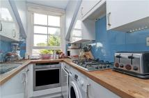 3 bed Flat in Dalebury Road...