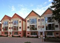 2 bed Flat in Holly Mansions...
