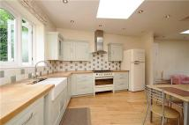 4 bedroom semi detached house in Viewfield Road...