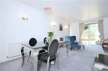 2 bed End of Terrace property to rent in Cottenham Park Road...