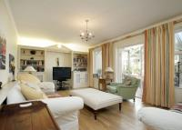 5 bedroom Detached home in St. Aubyns Avenue...