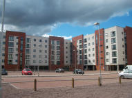 3 bed Apartment to rent in Pilgrims Way...