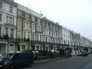 Flat to rent in Holland Road, W14