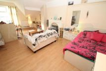 1 bed Studio flat in St Martins Terrace...