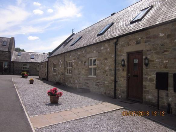3 bedroom cottage to rent in the courtyard north farm for 105 st georges terrace