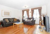 2 bedroom Flat to rent in Pilgrims Court...