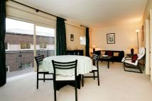 Rosebery Court Flat to rent