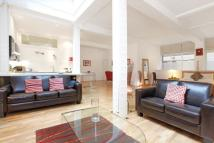 1 bed property in Newbury House...
