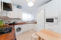 3 bed Flat in Hollisfield...