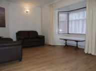 Bungalow to rent in Linkfield Road, Isleworth