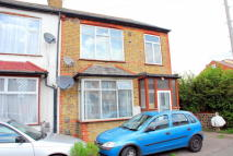 3 bed house in Cambridge Road, Hounslow