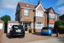 4 bed semi detached property for sale in Alderney Avenue, Hounslow