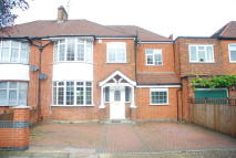 5 bed semi detached house in Albury Avenue, Isleworth