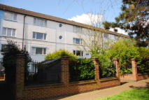 2 bed Flat for sale in Harlech Gardens, Hounslow