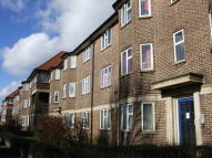 Flat to rent in Parklands Court...