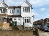 3 bedroom Flat to rent in Windmill Road, London