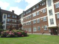 2 bedroom Flat to rent in Sheen Court, Richmond