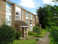 2 bed Flat in Oakley Close, Isleworth