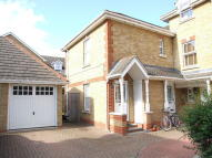 2 bed Flat in Honnor Gardens, Isleworth