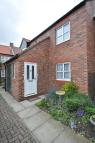 Flat for sale in 11 St Johns Court, Howden