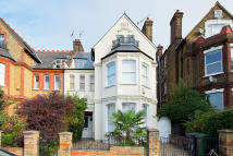 Flat for sale in Telford Avenue, Streatham