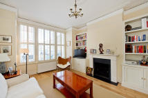 Flat to rent in Norfolk House Road...