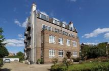 2 bedroom Flat to rent in Streatham Common North...