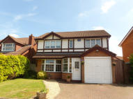4 bedroom Detached house in Sunnybank Close...
