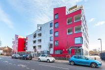 Apartment to rent in Abbey Road, London, E15