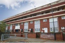 2 bed Maisonette in Leslie Road...