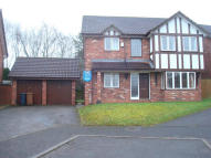 Detached property in Schoolacre Rise...