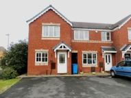 Terraced home to rent in Oakridge Drive...
