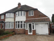 3 bedroom semi detached house for sale in Hemlingford Road...