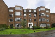 4 bedroom Flat in Highlands Heath...