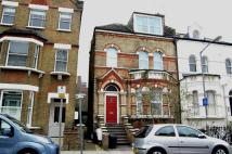 2 bedroom Flat in Disraeli Road, Putney