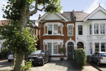4 bedroom semi detached house in Howards Lane, Putney