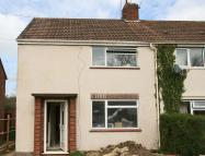 4 bed semi detached property in Pinnocks Way, Botley...