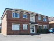 Flat Share in Cherry Tree Court...