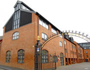 3 bed Penthouse in The Lion Brewery...