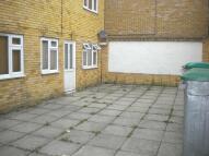 Studio flat in Blenheim Road, London...