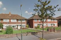 Maisonette to rent in Waddington Ave, Coulsdon...