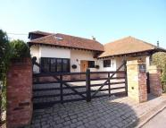 Detached property to rent in Cricketers Lane...