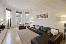 5 bed Apartment in Lucie Clayton House...