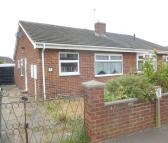 2 bedroom Semi-Detached Bungalow in Packwood Close, Maltby...