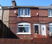Terraced property to rent in Hayhurst Crescent...