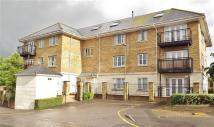 2 bedroom Flat in New Barnet, Herts